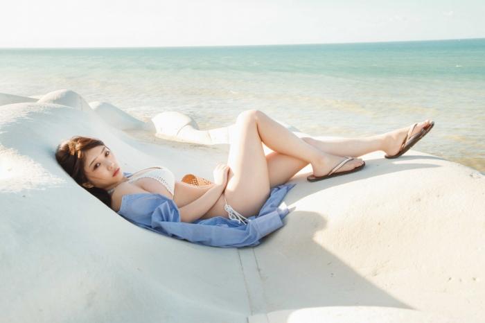 【与田祐希グラビア画像】モデルもやってる美人アイドルのビキニと下着姿 14