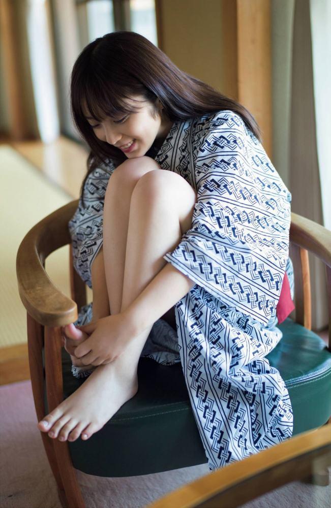 【与田祐希グラビア画像】モデルもやってる美人アイドルのビキニと下着姿 28
