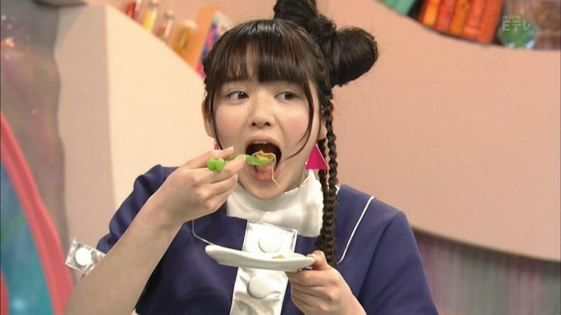 【鎮西寿々歌お宝画像】Eテレでずっとレギュラーやってる元子役のお姉さん