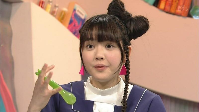 【鎮西寿々歌お宝画像】Eテレでずっとレギュラーやってる元子役のお姉さん 04