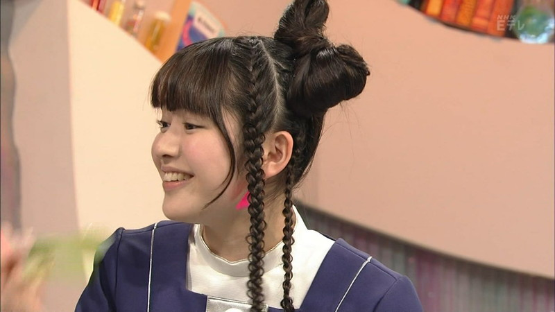 【鎮西寿々歌お宝画像】Eテレでずっとレギュラーやってる元子役のお姉さん 05