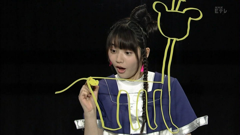 【鎮西寿々歌お宝画像】Eテレでずっとレギュラーやってる元子役のお姉さん 15