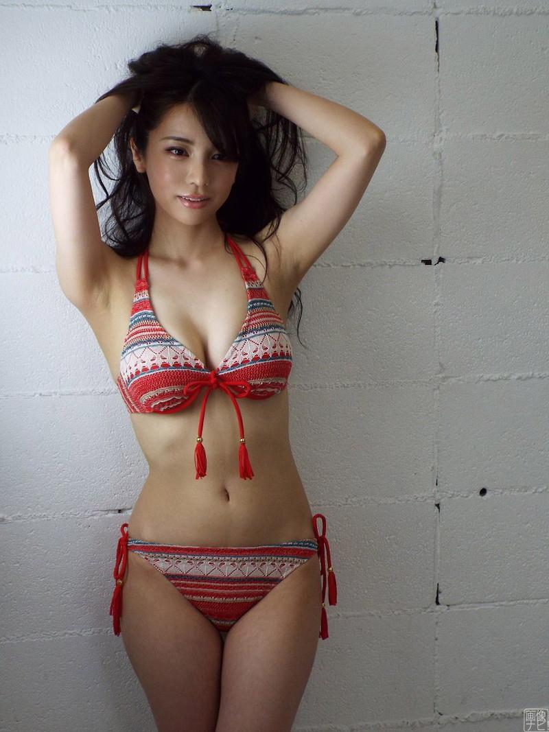 【仲村美海エロ画像】色気ムンムンな愛人系Eカップアラサーグラドル 37