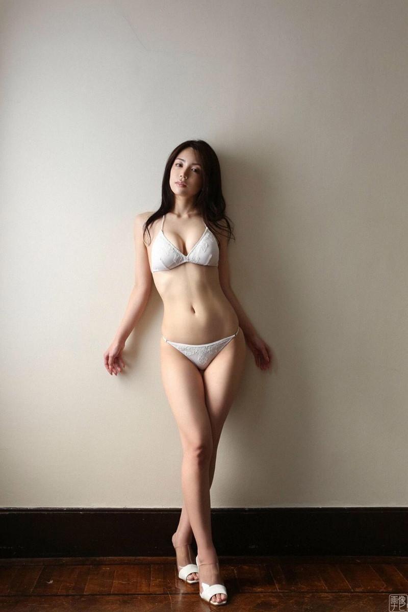 【仲村美海エロ画像】色気ムンムンな愛人系Eカップアラサーグラドル 38