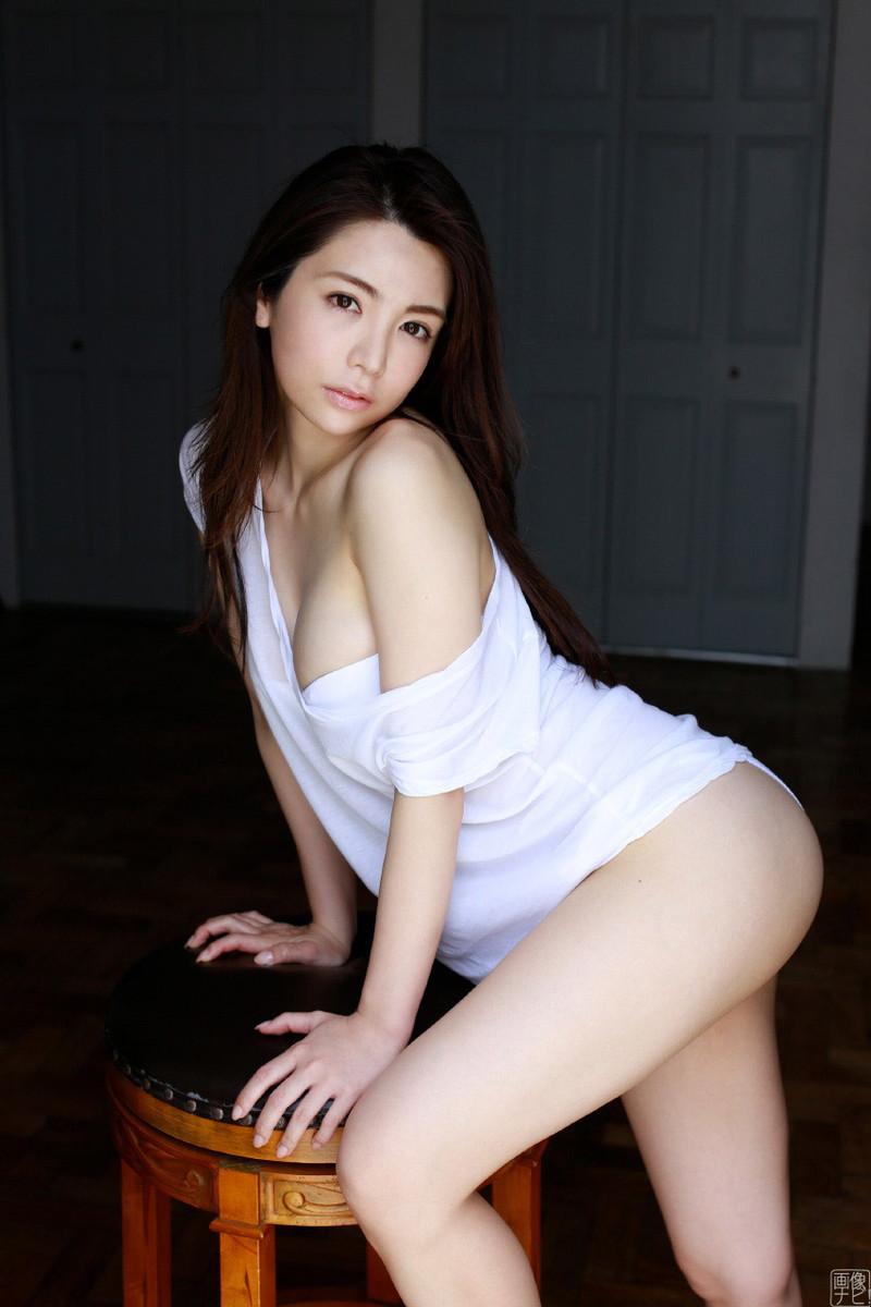 【仲村美海エロ画像】色気ムンムンな愛人系Eカップアラサーグラドル 42