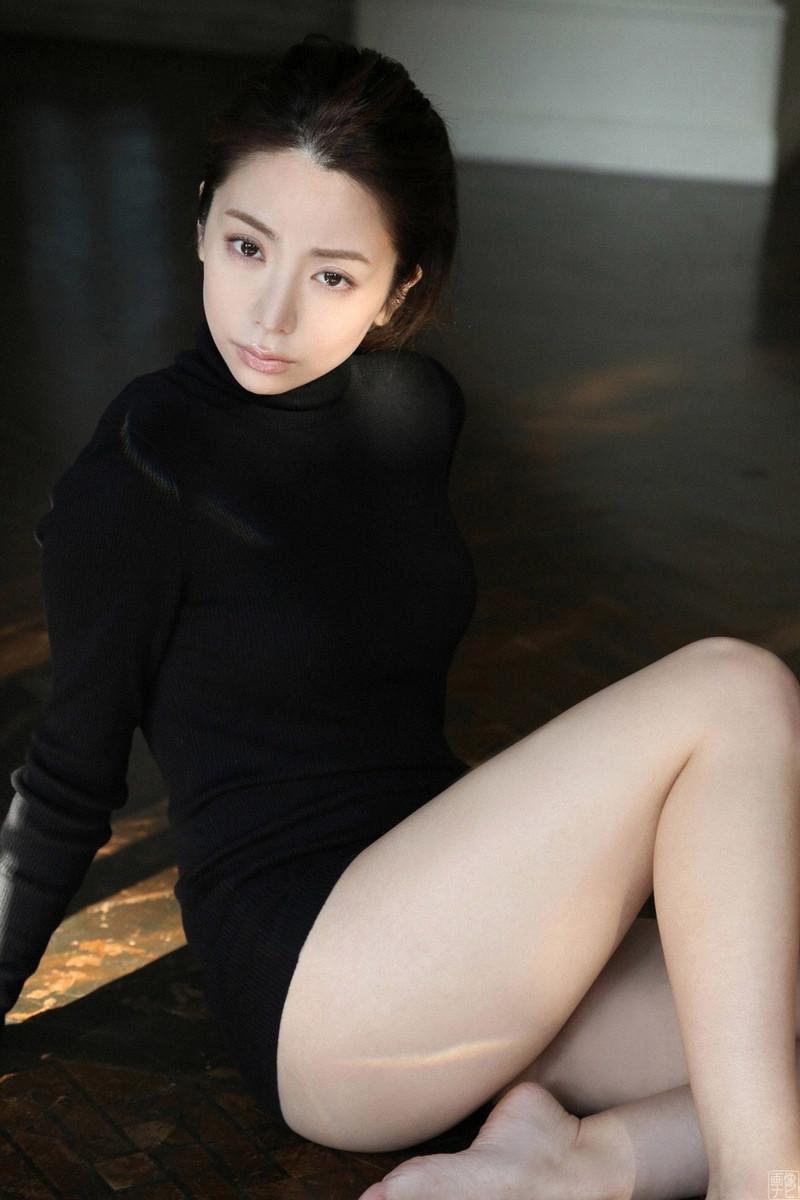 【仲村美海エロ画像】色気ムンムンな愛人系Eカップアラサーグラドル 54