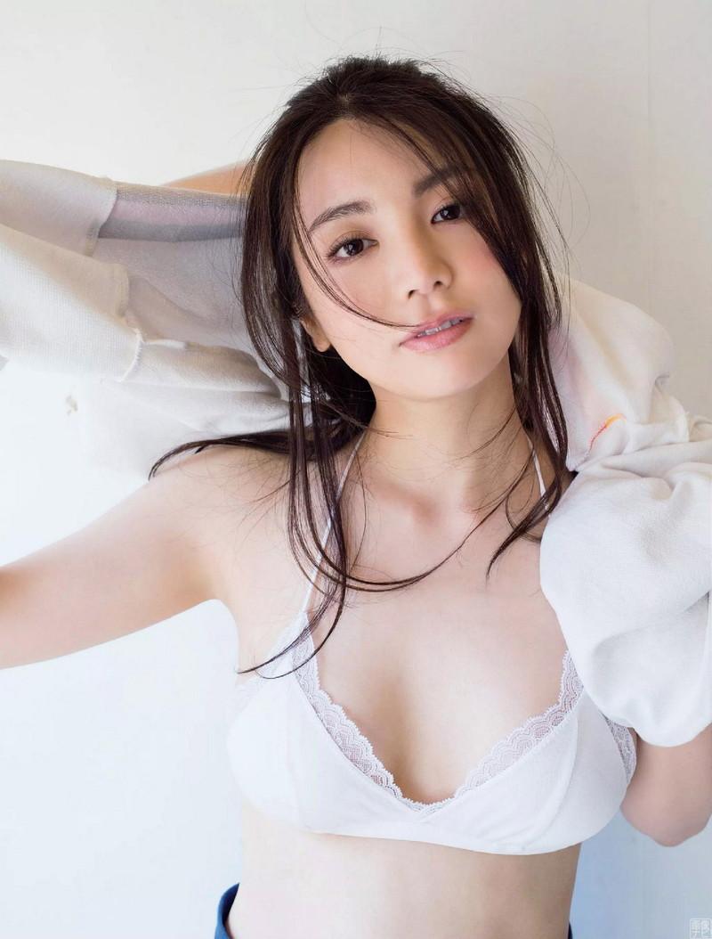 【仲村美海エロ画像】色気ムンムンな愛人系Eカップアラサーグラドル 58