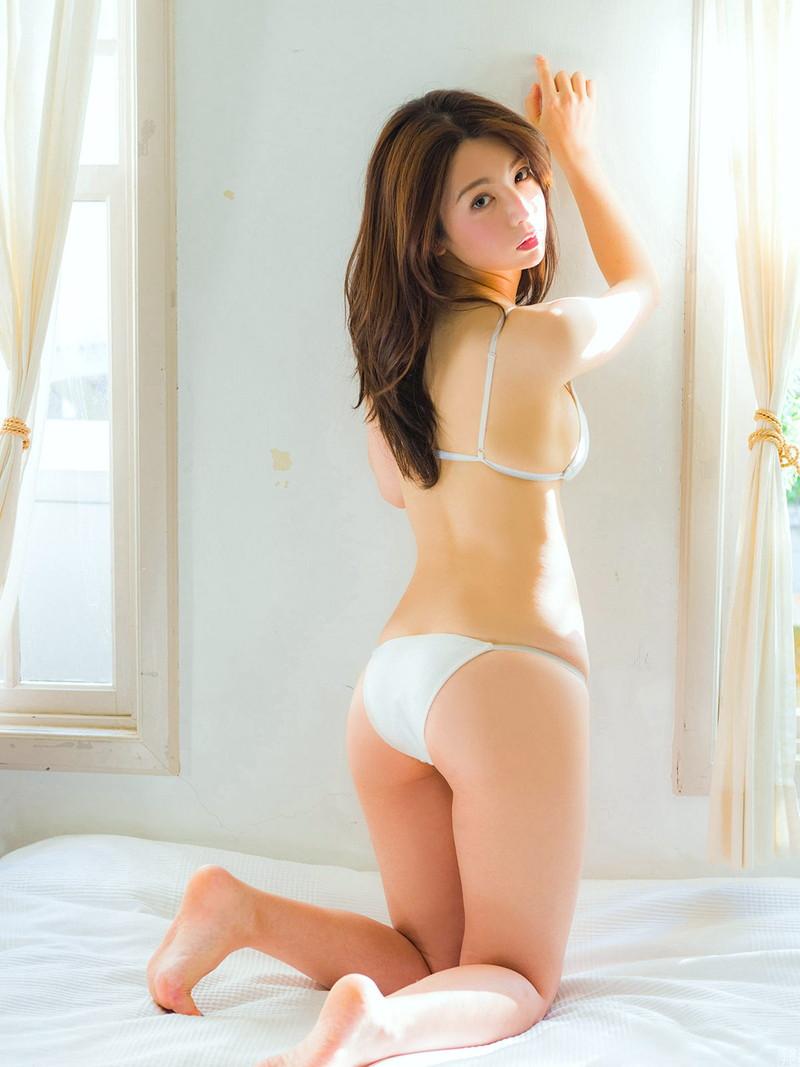 【仲村美海エロ画像】色気ムンムンな愛人系Eカップアラサーグラドル 92