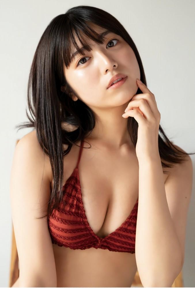 【吉田莉桜グラビア画像】専属モデルの可愛くてちょいエロなビキニ姿 13