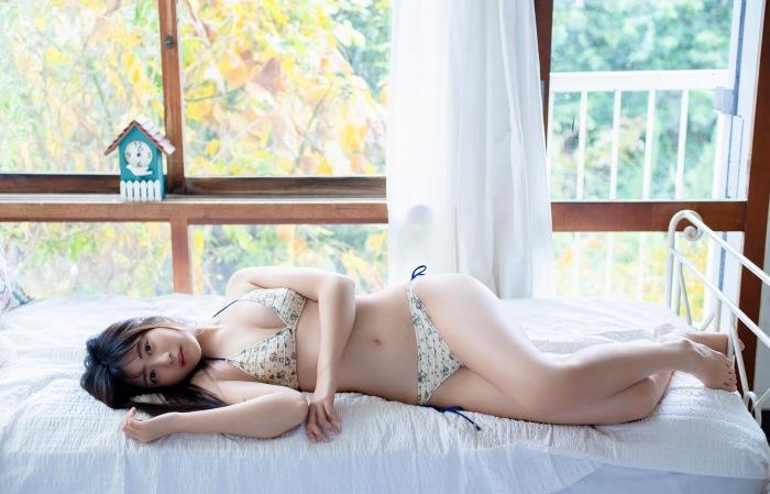 【吉田莉桜グラビア画像】専属モデルの可愛くてちょいエロなビキニ姿 70