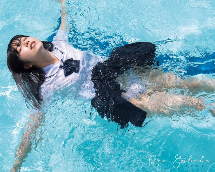 【吉田莉桜グラビア画像】専属モデルの可愛くてちょいエロなビキニ姿 79