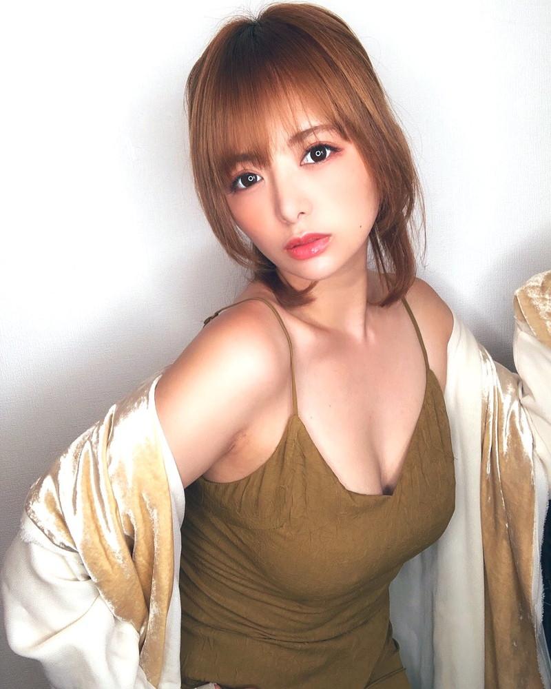 【星美りかエロ画像】グラドルからAV女優を経てタレント復帰したお姉さん 32