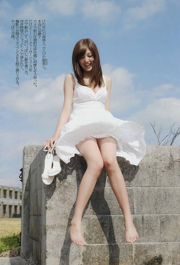 【岩﨑名美グラビア画像】スレンダー美脚ボディが綺麗なモグラ女子の水着姿 79