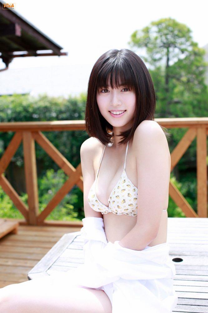 【北向珠夕グラビア画像】バレーボールで培ったスレンダー長身ボディがエロい美女! 25