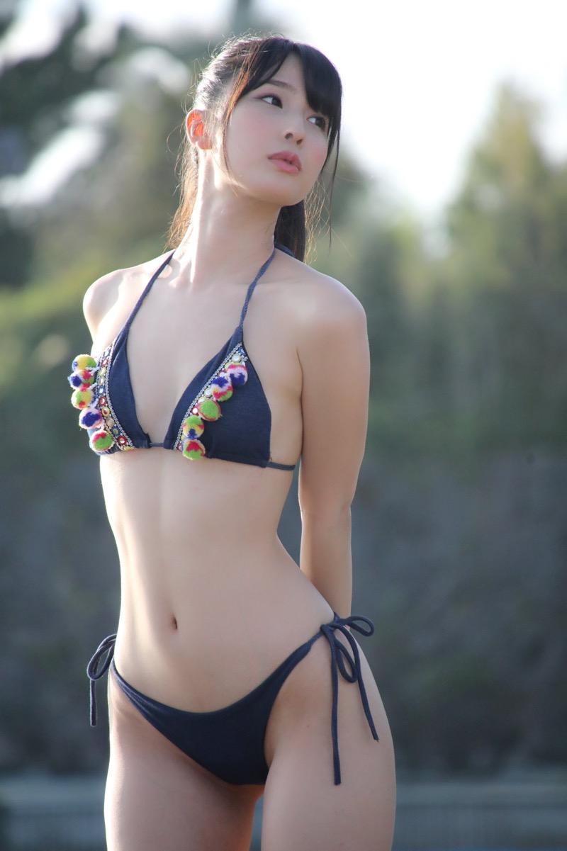 【川崎あやグラビア画像】くびれ腰に巨尻のボディラインがめちゃくちゃエロいハイレグ美女 04