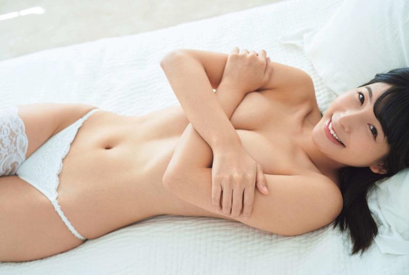 【川崎あやグラビア画像】くびれ腰に巨尻のボディラインがめちゃくちゃエロいハイレグ美女 08