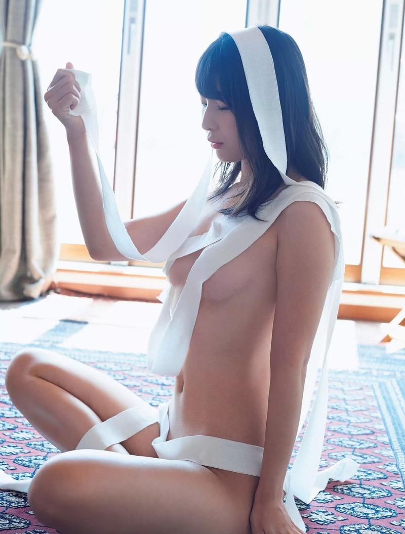 【川崎あやグラビア画像】くびれ腰に巨尻のボディラインがめちゃくちゃエロいハイレグ美女 16