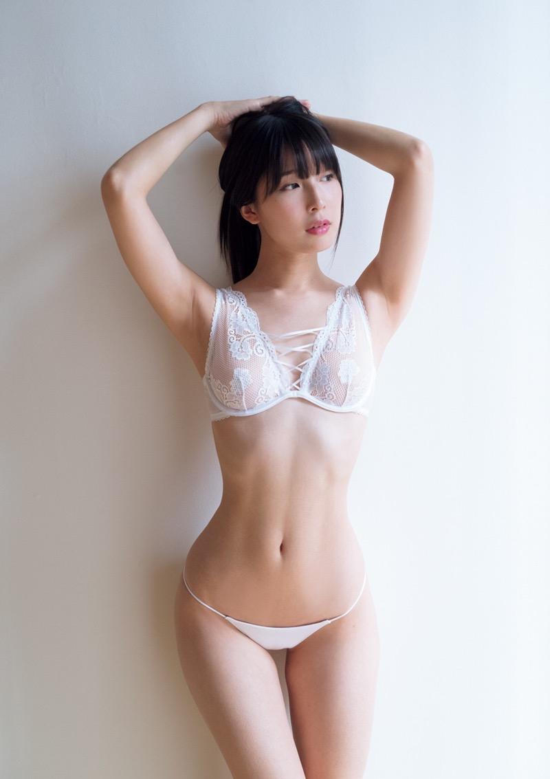 【川崎あやグラビア画像】くびれ腰に巨尻のボディラインがめちゃくちゃエロいハイレグ美女 27