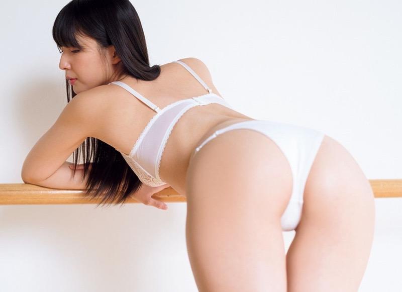 【川崎あやグラビア画像】くびれ腰に巨尻のボディラインがめちゃくちゃエロいハイレグ美女 29