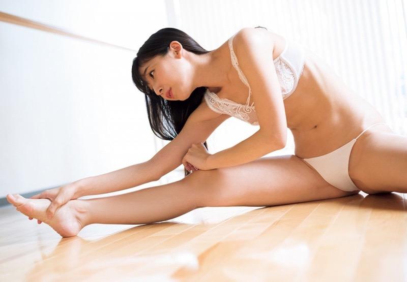 【川崎あやグラビア画像】くびれ腰に巨尻のボディラインがめちゃくちゃエロいハイレグ美女 30