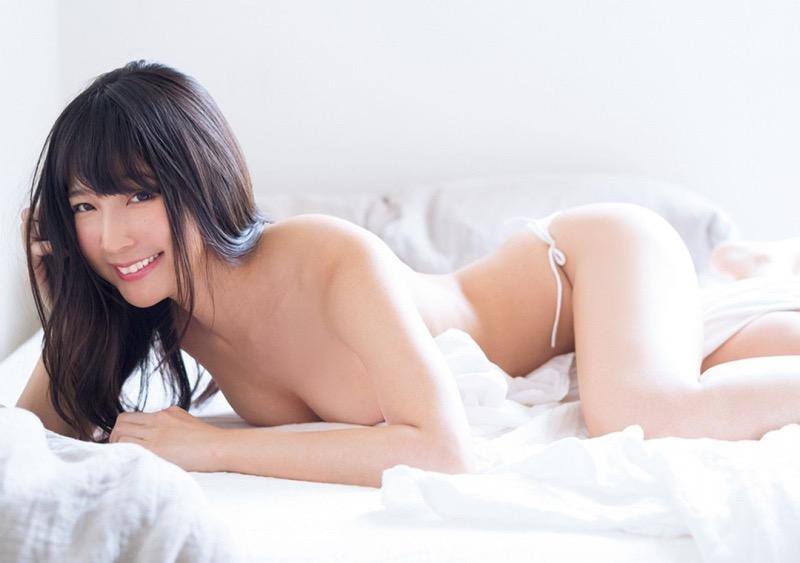 【川崎あやグラビア画像】くびれ腰に巨尻のボディラインがめちゃくちゃエロいハイレグ美女 33