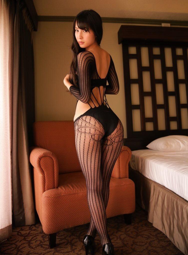 【川崎あやグラビア画像】くびれ腰に巨尻のボディラインがめちゃくちゃエロいハイレグ美女 34