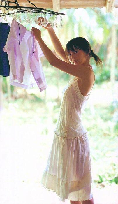【パジャマエロ画像】パジャマ等のルームウェアでリラックスしてるタレント美少女たち 07
