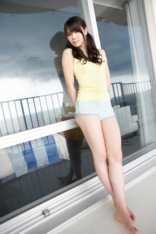 【パジャマエロ画像】パジャマ等のルームウェアでリラックスしてるタレント美少女たち 21