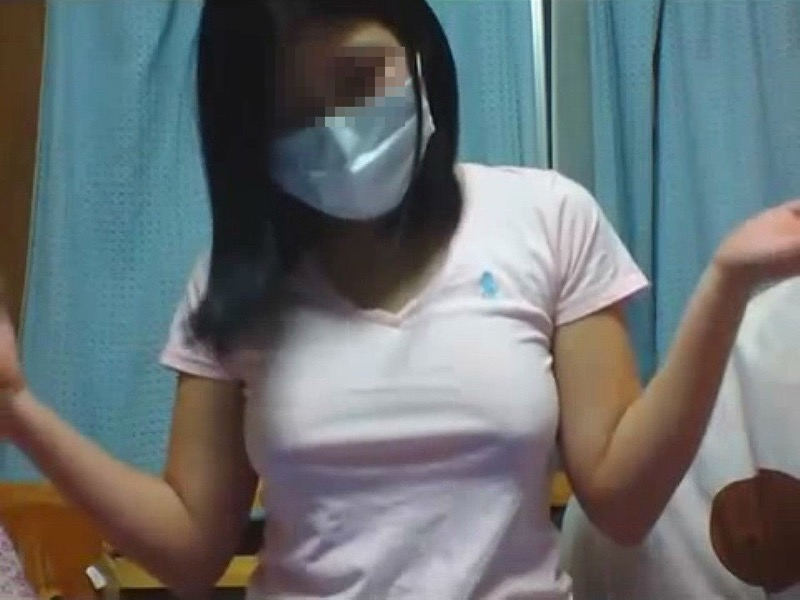 【顔出しNGエロ画像】マスクで顔を隠してチンコを咥え込むドスケベギャルのハメ撮り画像 69