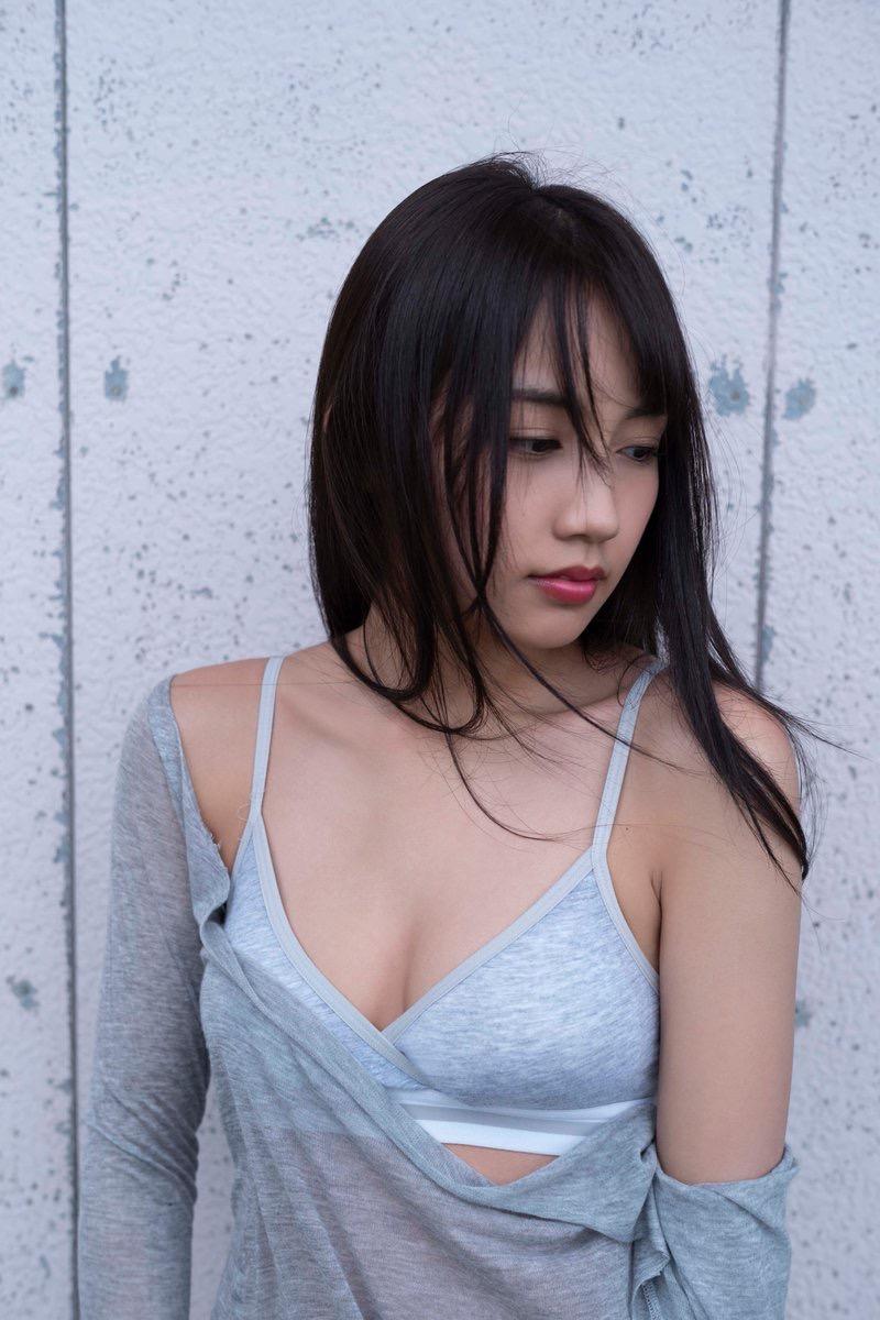【黒木ひかりグラビア画像】可愛くて抜群にエロい身体の注目グラビアアイドル! 09