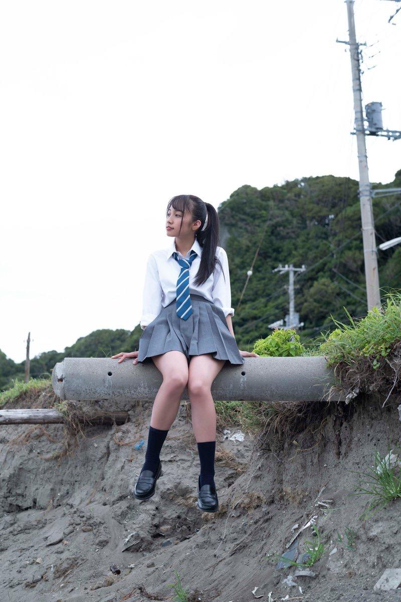 【黒木ひかりグラビア画像】可愛くて抜群にエロい身体の注目グラビアアイドル! 14