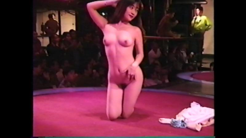 【アダルトの日エロ画像】日本や世界の美女が魅せるストリップ&ヌードショー! 44
