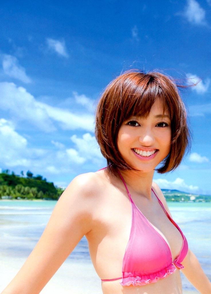 【菊地亜美グラビア画像】アイドリング!!!出身のバラエティタレントが魅せる水着グラビア 26