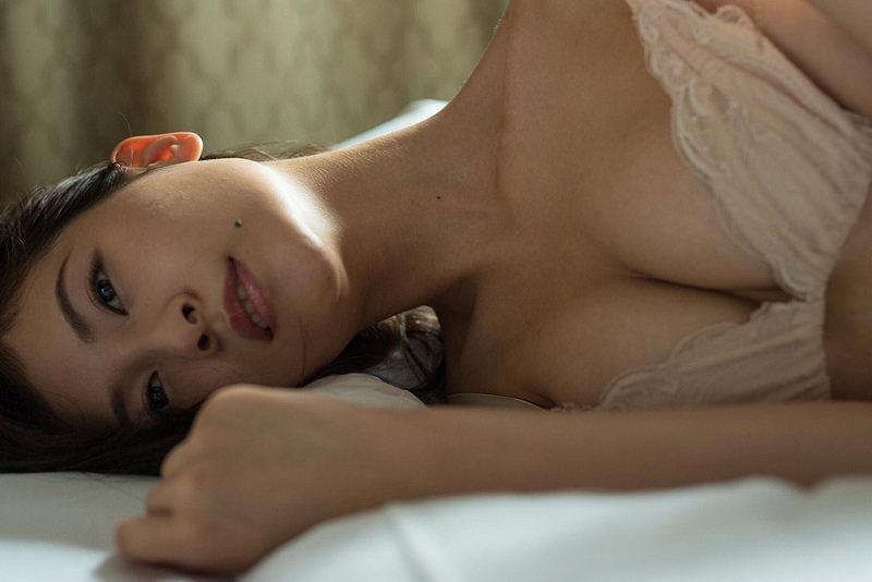 【和久井雅子グラビア画像】OLからグラビアアイドルに転身した平成最後の愛人系美女!