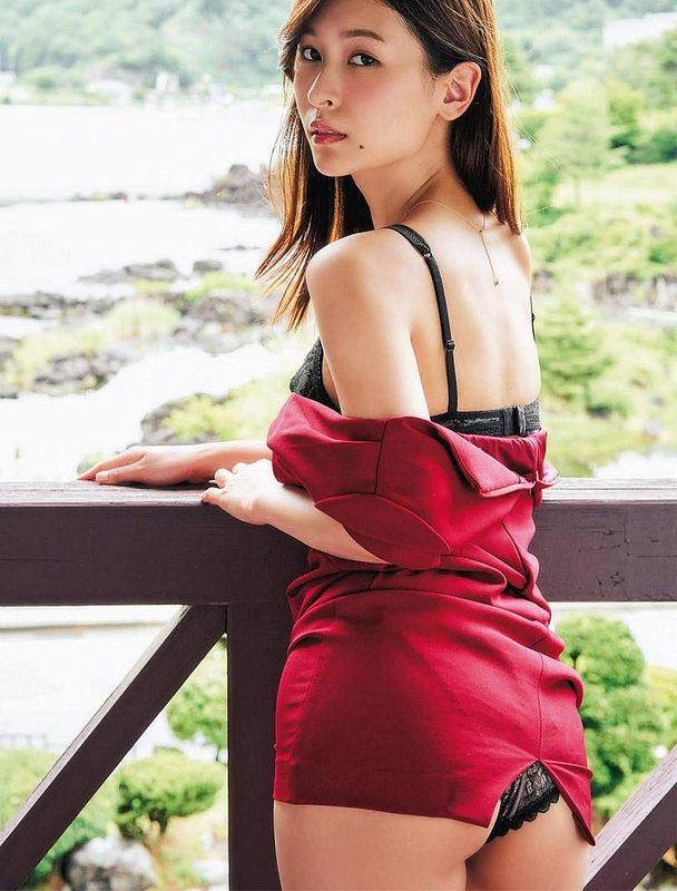 【和久井雅子グラビア画像】OLからグラビアアイドルに転身した平成最後の愛人系美女! 42