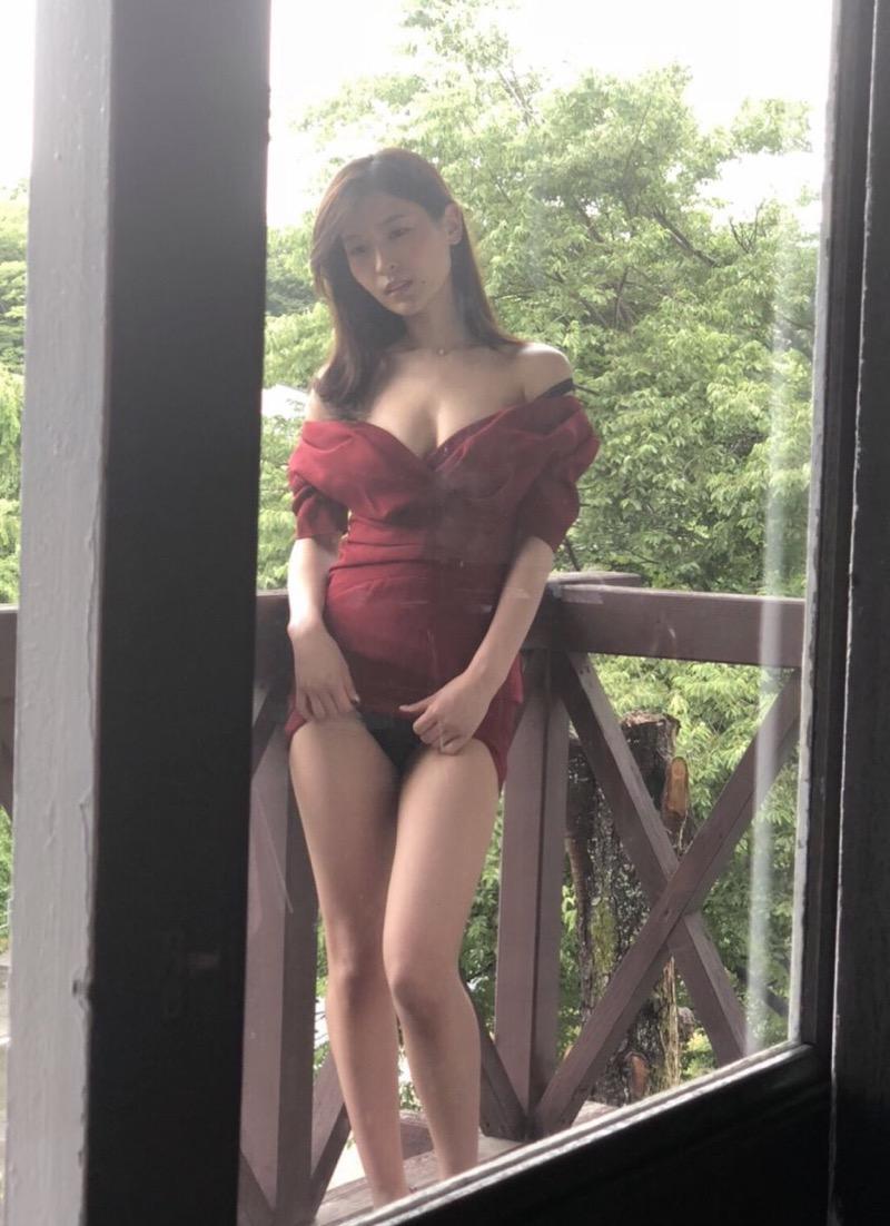 【和久井雅子グラビア画像】OLからグラビアアイドルに転身した平成最後の愛人系美女! 52