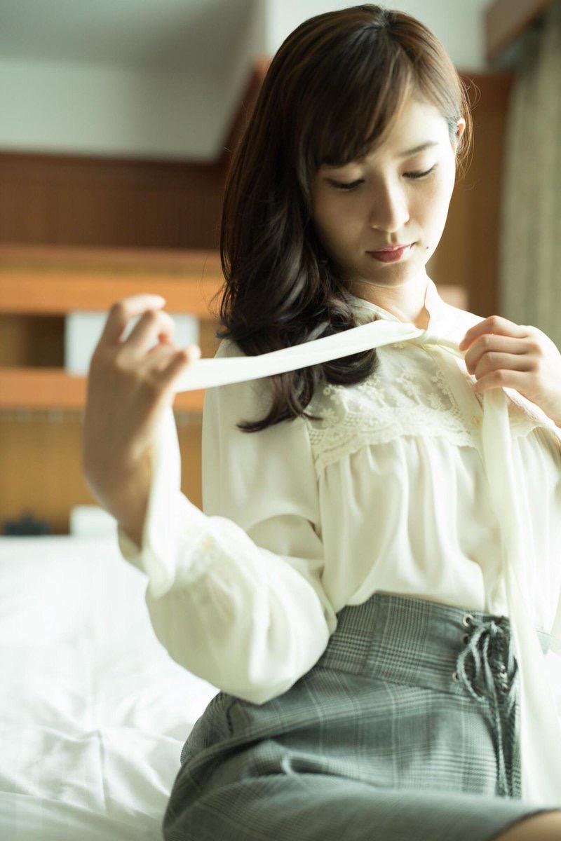 【和久井雅子グラビア画像】OLからグラビアアイドルに転身した平成最後の愛人系美女! 74