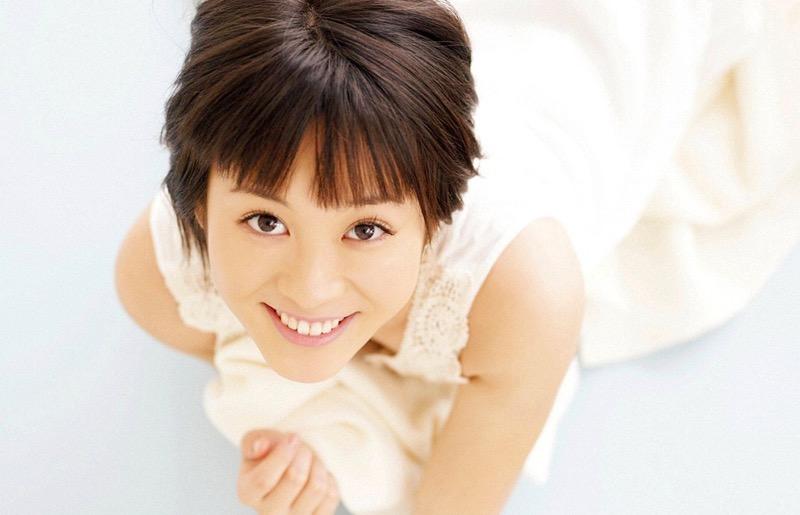 【北乃きいグラビア画像】笑顔が可愛い清純派美少女のちょっとエッチなグラビア! 21