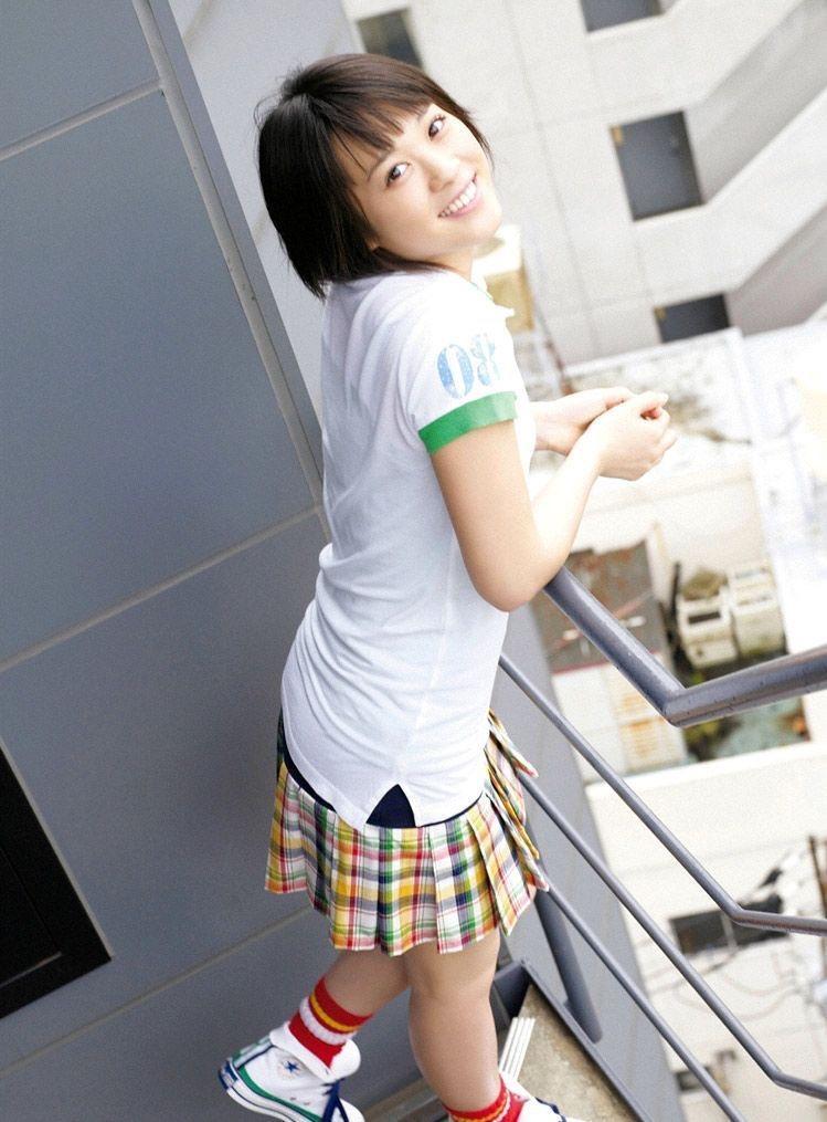 【北乃きいグラビア画像】笑顔が可愛い清純派美少女のちょっとエッチなグラビア! 36