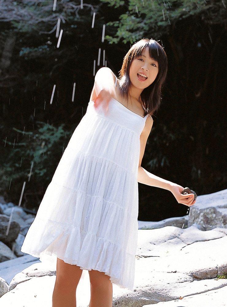 【北乃きいグラビア画像】笑顔が可愛い清純派美少女のちょっとエッチなグラビア! 42