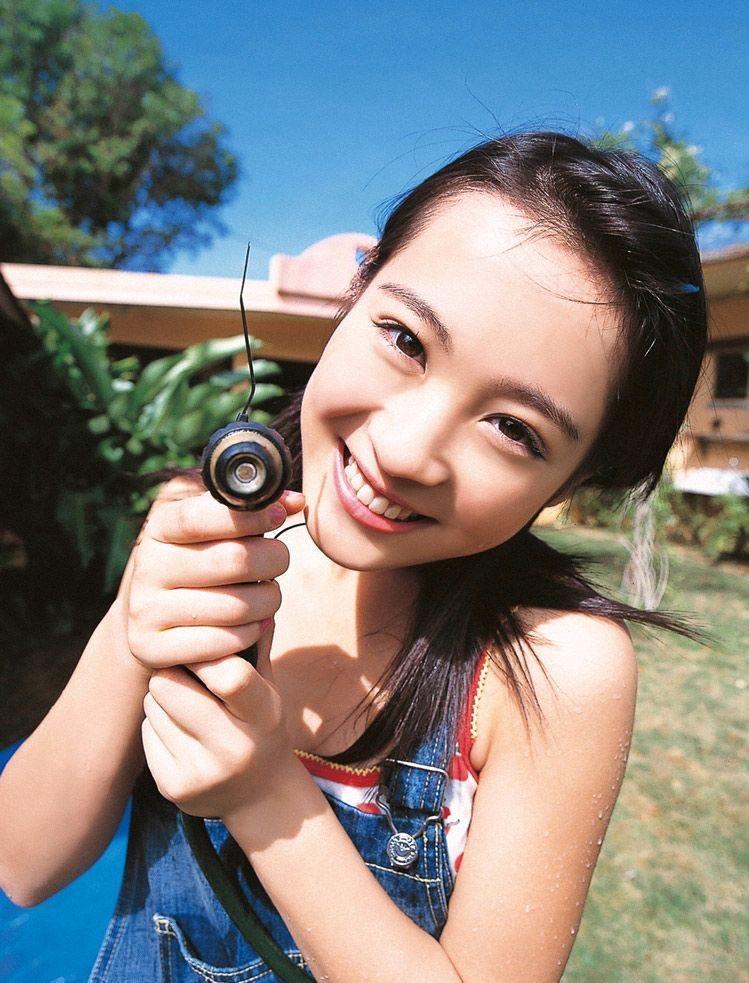 【北乃きいグラビア画像】笑顔が可愛い清純派美少女のちょっとエッチなグラビア! 51