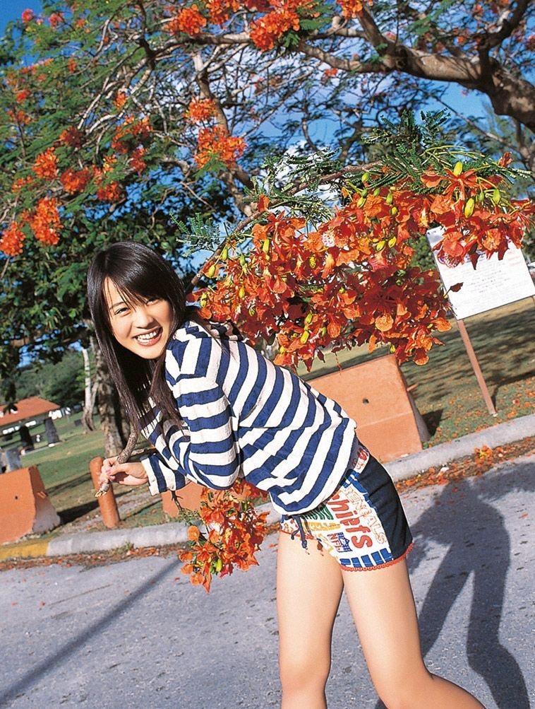 【北乃きいグラビア画像】笑顔が可愛い清純派美少女のちょっとエッチなグラビア! 76