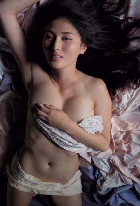 【30代グラドル美女画像】三十路のセクシーで艶めかしいグラビアアイドル美女画像 11