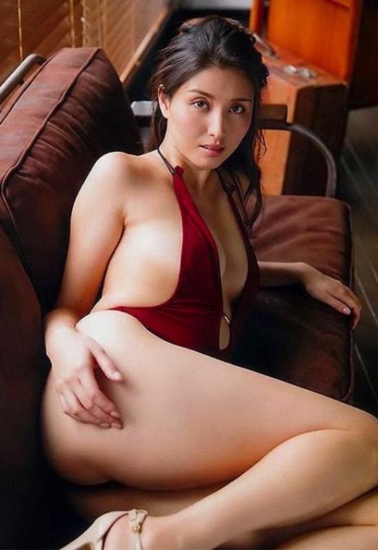 【30代グラドル美女画像】三十路のセクシーで艶めかしいグラビアアイドル美女画像 13