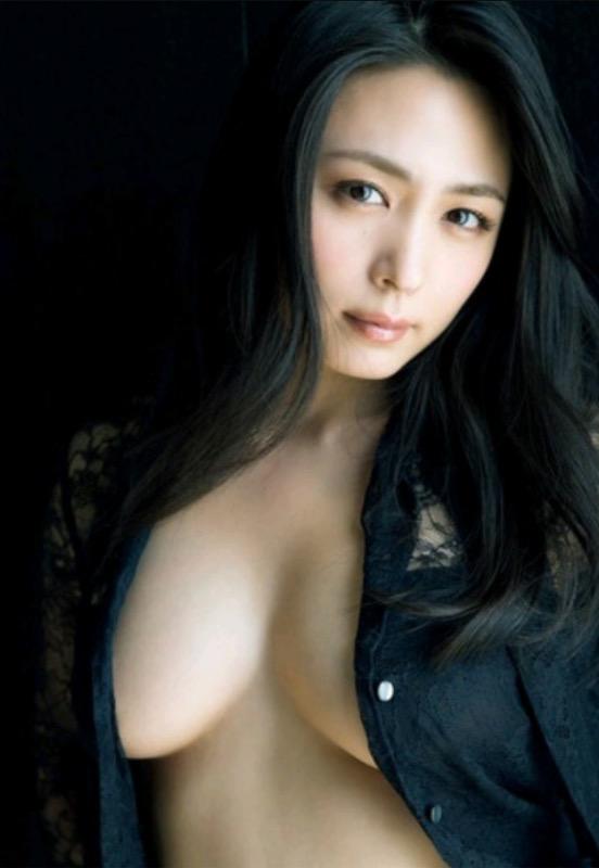 【30代グラドル美女画像】三十路のセクシーで艶めかしいグラビアアイドル美女画像 17