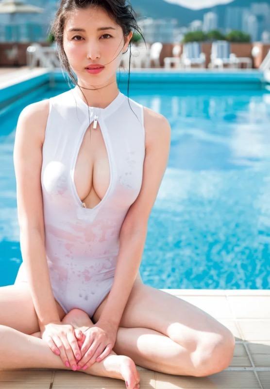 【30代グラドル美女画像】三十路のセクシーで艶めかしいグラビアアイドル美女画像 26