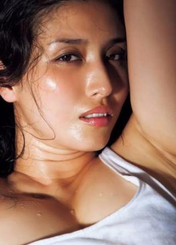 【30代グラドル美女画像】三十路のセクシーで艶めかしいグラビアアイドル美女画像 46