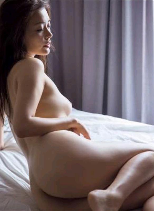 【30代グラドル美女画像】三十路のセクシーで艶めかしいグラビアアイドル美女画像 61