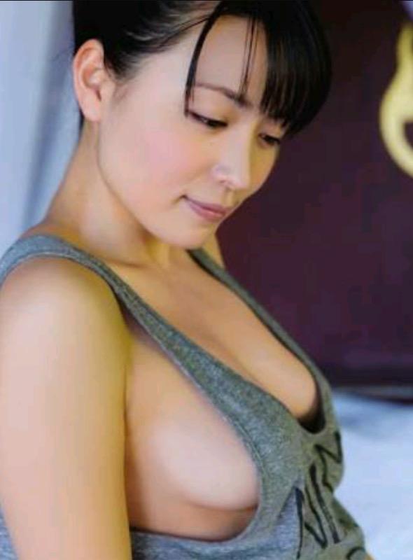 【30代グラドル美女画像】三十路のセクシーで艶めかしいグラビアアイドル美女画像 67