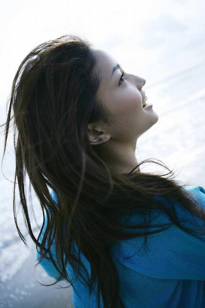 【黒木メイサグラビア画像】女優に歌手にモデルと様々な活躍をしている美女画像 11